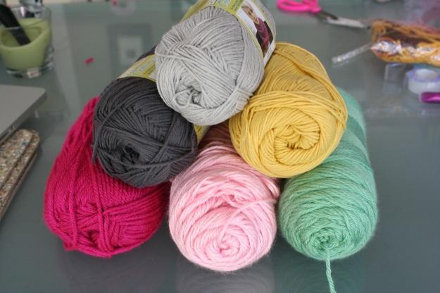 pom pom garland yarn