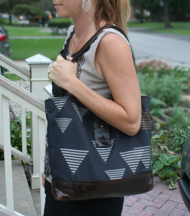 block party triangle purse